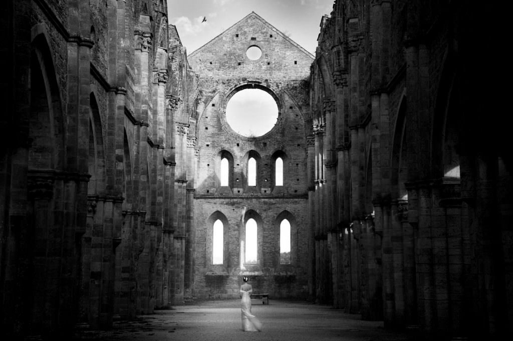 wedding photography San Galgano Abbey