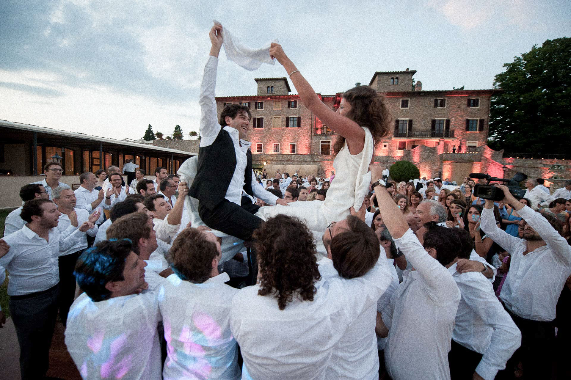 weddings in tuscany vineyard