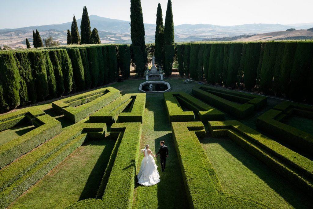Florence, Villa la Foce wedding: a high class event